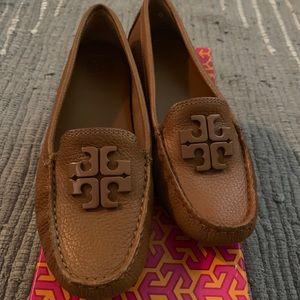 Tory Burch Lowell 2 Driver Tumbled Leather